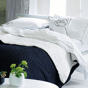 Designers Guild - Chenevard King Quilt - Black & White