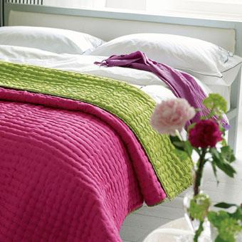 Designers Guild - Chenevard Queen Quilt - Fuchsia & Lime